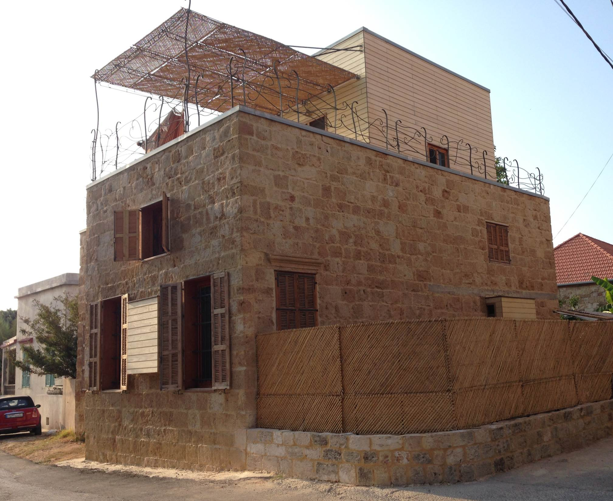 Building profile casa batroun lebanon gbig insight for Traditional house building